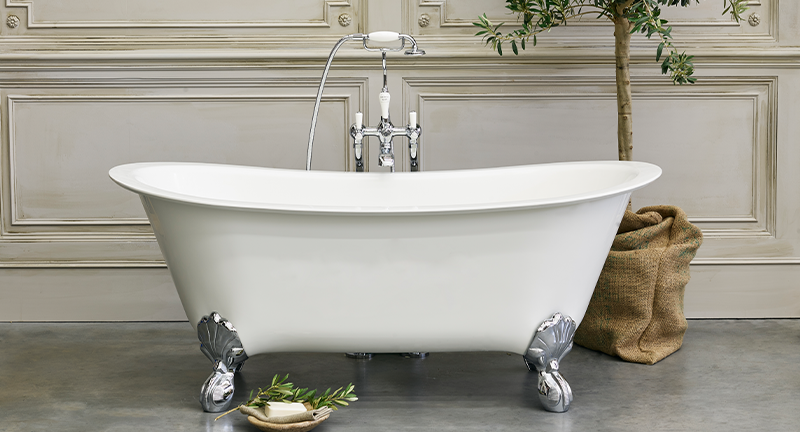 Modern Luxury Bathroom Design | Seamlessly intertwining traditional with modern, the Batello Bath delivers a captivating timeless style to any bathroom.